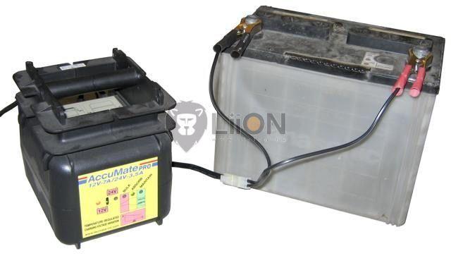 AccuMate PRO 12V / 24V automata akkutöltő, karbantartó